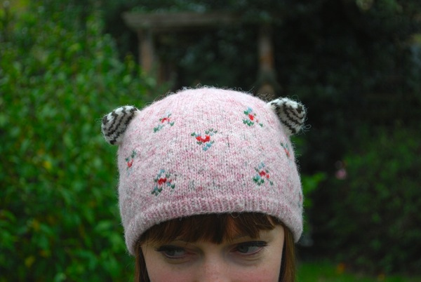 cupcake kitten hat by tiny owl knits